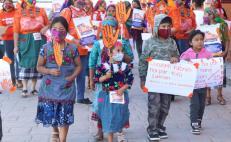 Realizan Quialana, comunidad zapoteca, caminata contra la violencia hacia las mujeres