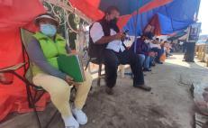 """""""No hay seguridad de que nos respeten el lugar, nos vamos a quedar toda la noche"""", dicen en filas para vacuna en Oaxaca"""