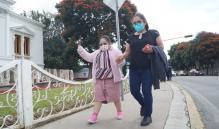 Amparos y vacuna anti-Covid para niños, regalo de solidaridad; no deben politizarse: padres de Oaxaca