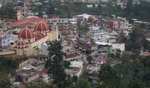 "Queman vehículo de edil de Ayutla Mixe; acusa a ""grupos radicales"" por firma de acuerdo sobre manantial"
