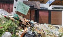 Por arrojar basura frente a su casa, edil de Oaxaca compara a trabajadores de limpia con 'grupos delincuenciales'