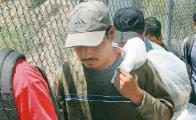 Fiscalía asegura a 21 migrantes en carretera 190 de los Valles Centrales de Oaxaca