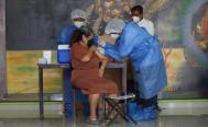 Tras 48 horas de espera y largas filas, arranca aplicación de segunda dosis anti Covid-19 en Oaxaca