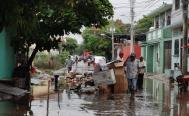 """""""Desde hace más de 10 años no nos inundábamos"""", cuentan familias zapotecas de Juchitán tras desbordarse el río Los Perros"""