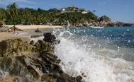 Declaran semáforo rojo en Puerto Escondido, Oaxaca; darán cárcel a quien no use cubreboca