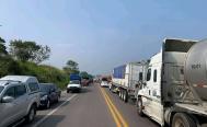 Exigen entrega de 10 mdp para retirar bloqueo en carretera Transístmica; cobran hasta mil pesos para cruzar