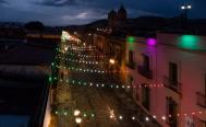 Encienden alumbrado de colores patrios en el Centro Histórico de Oaxaca; se ahorrará 85% de energía