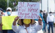 Marcha Coordinadora de Sindicatos de Salud en Oaxaca; instalan plantón en Casa Oficial