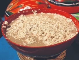 Tejate y tepache, bebidas ancestrales presentes en la celebración de la Guelaguetza 2021