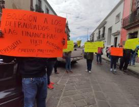 Van 500 denuncias de maestros ante fiscalía de Oaxaca contra 10 financieras fraudulentas