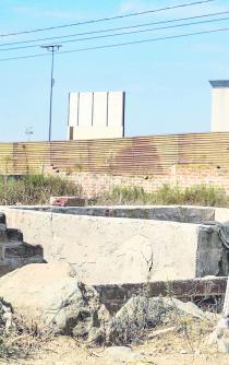 Prototipos del muro, ya en la línea