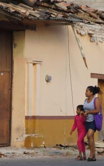 Reportan daños en 130 planteles de Oaxaca tras sismo