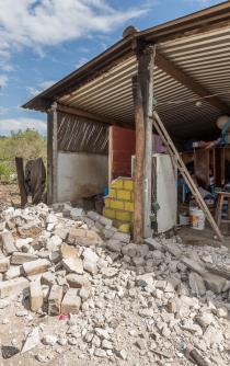 Suman 6 mil viviendas las dañadas por sismo en la Costa