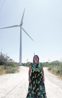 Mujeres activistas, luchar desprotegidas