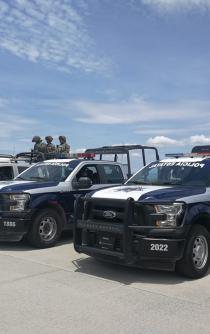 Tras crímenes, llenan Juchitán de policías y militares
