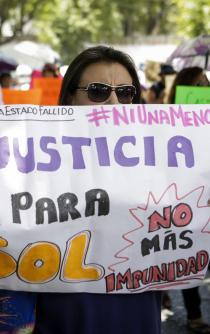 """Entre lágrimas y gritos de justicia despiden a """"Solecito"""""""