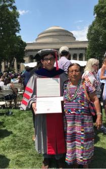 """""""El huarachudo"""" egresó del MIT como Doctor en Fisicoquímica"""