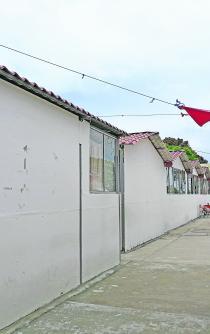 En el Istmo, esperan reconstrucción de escuelas que prometió Bancomer