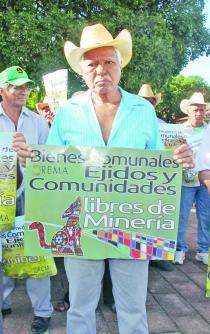 """""""AMLO se  contradice en consultas indígenas"""""""