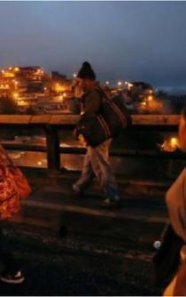 Miles de migrantes siguen a la espera de poder entrar a México