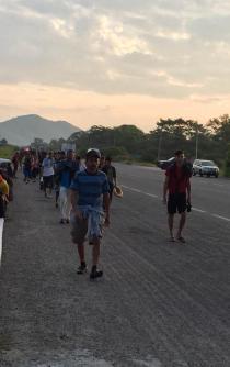 Segunda caravana de migrantes llega a territorio oaxaqueño