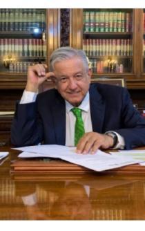 AMLO firma memorándum para frenar reforma educativa de Peña Nieto