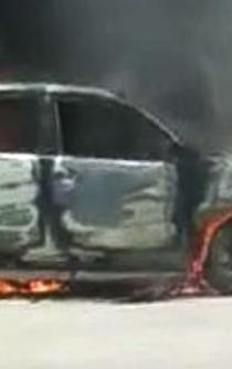Retienen a exedil de San Dionisio del Mar, Oaxaca, y queman su camioneta