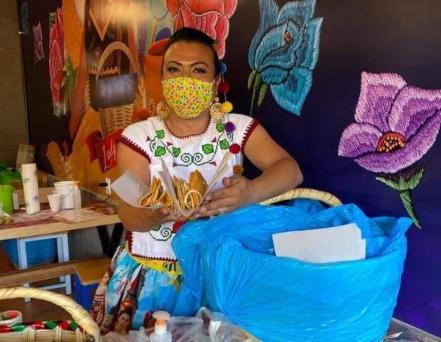 lady_tacos_de_canasta_oaxaca_2.jpeg